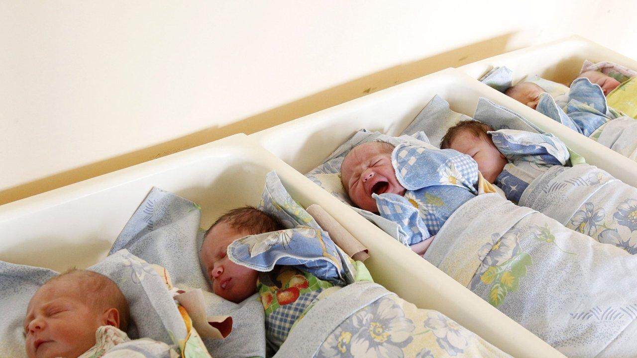 Novorozenci - ilustrační foto