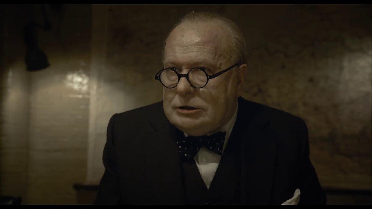 Britského premiéra Churchilla ve snímku ztvárnil Gary Oldman.