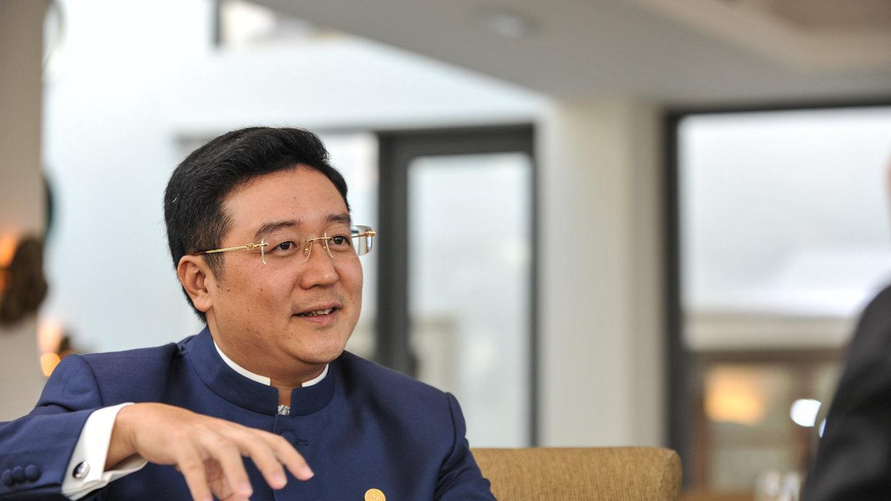Prezident společnosti CEFC Chan Chauto.