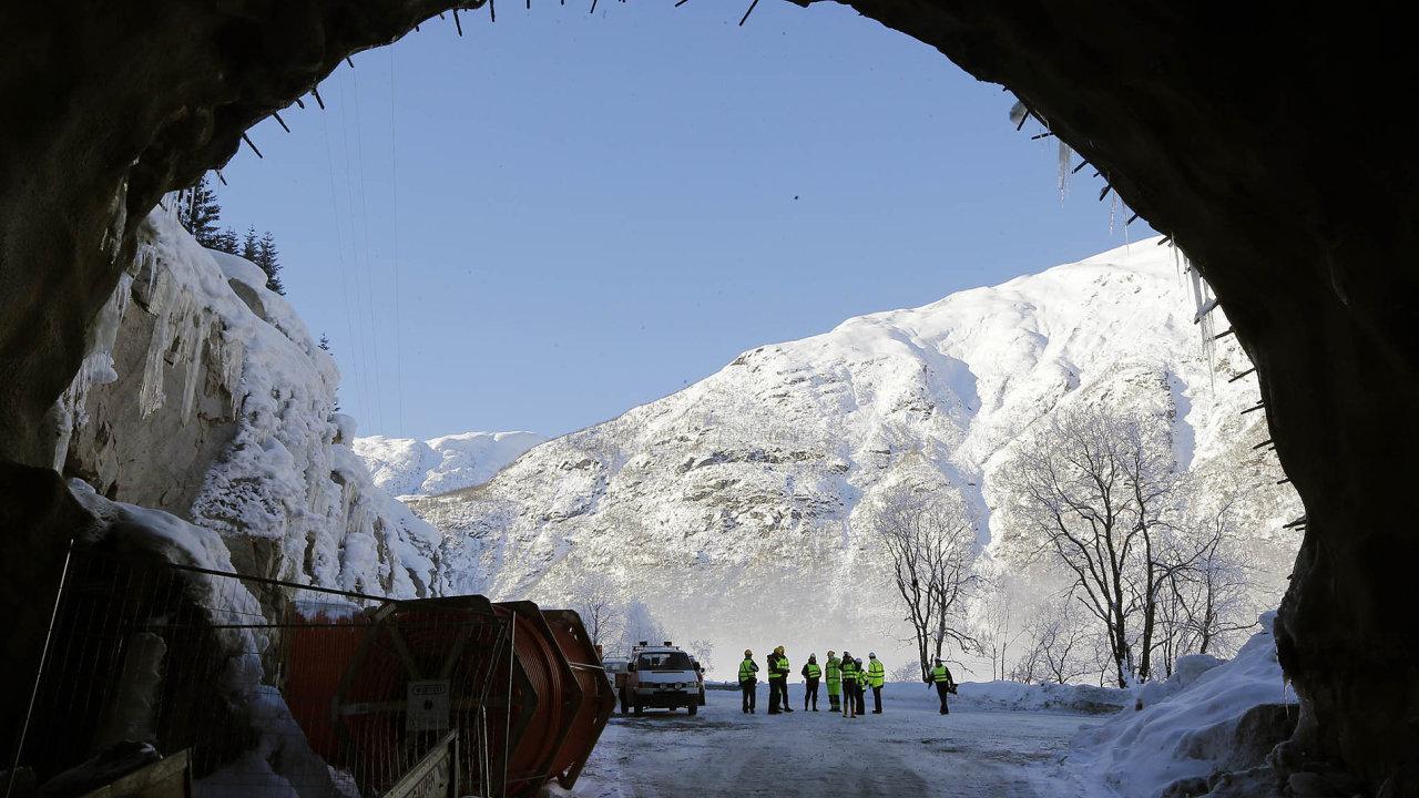 Metrostav má s Norskem už zkušenosti. Postavil už 1,5 kilometru dlouhý tunel do vesnice Veitastrond, která bývá kvůli lavinám odříznuta od okolí.