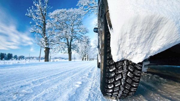 Přeprava všech čtyř zimních pneumatik vyjde v aktuální situaci na přibližně 200 korun.