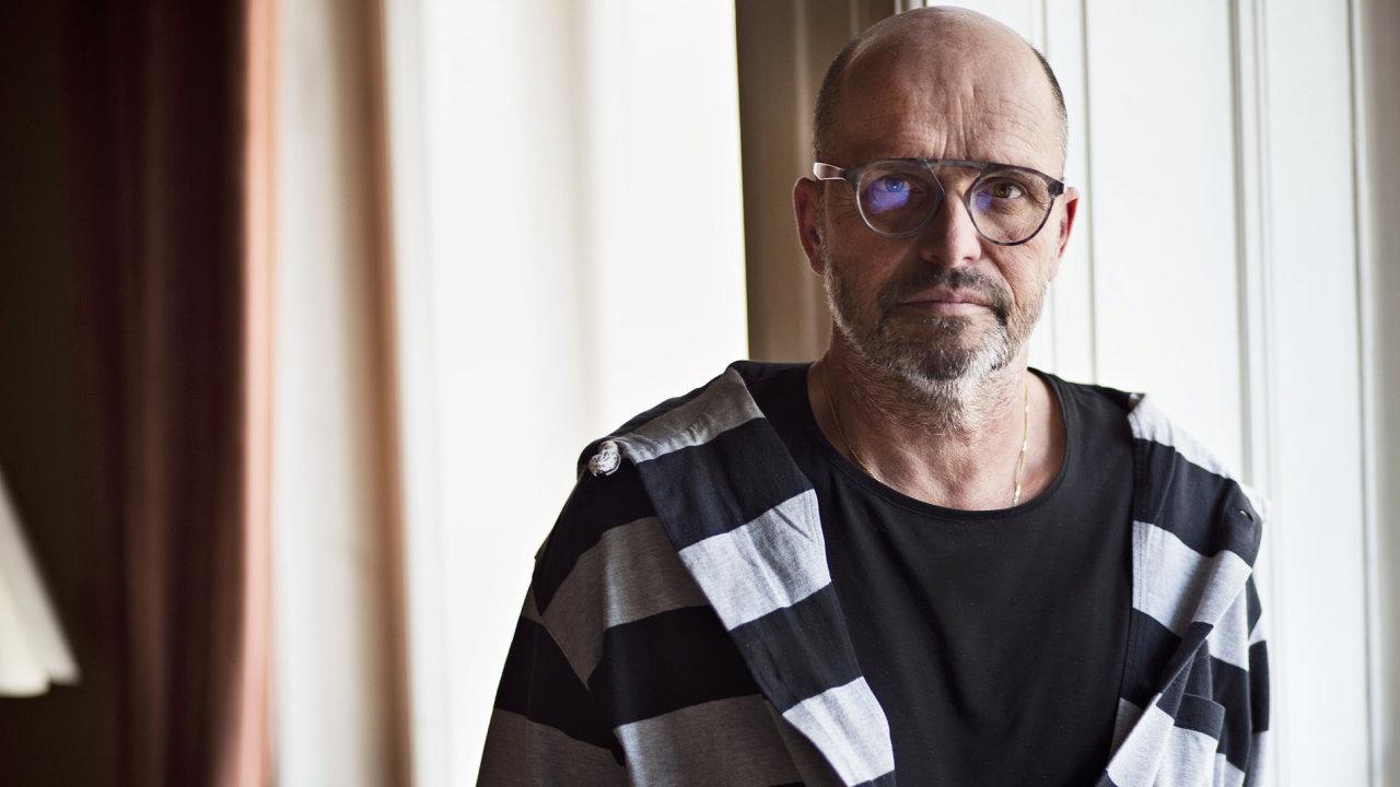 Vaření není o improvizaci, říká přísný šéfkuchař Zdeněk Pohlreich.