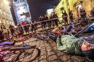 Omezení cyklistů bude v centru Prahy platit nejspíš od března. Petici proti vyhlášce podepsalo už 1300 lidí