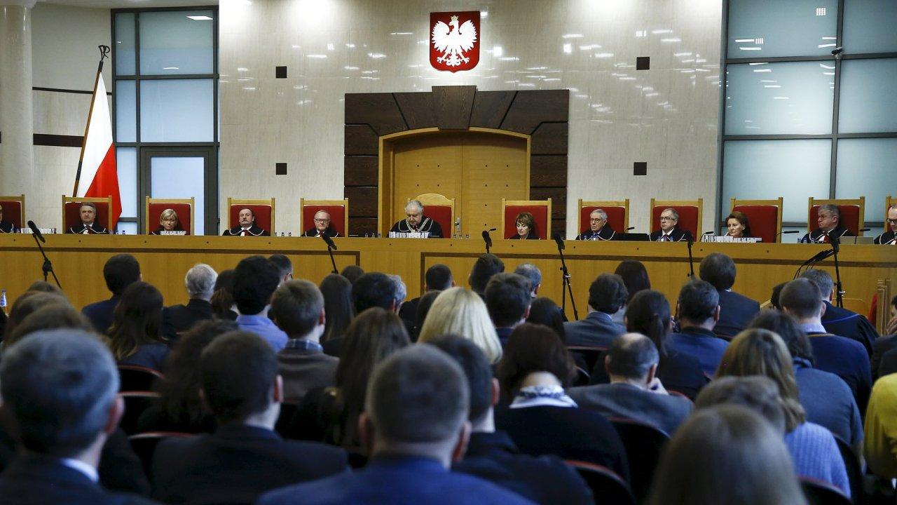 Polsko, ústavní soud, vláda, PiS