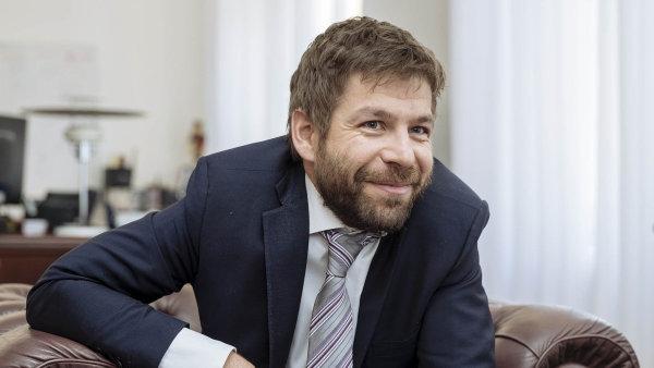Bývalý ministr spravedlnosti Robert Pelikán navrhoval k dlužníkům vstřícnější podobu zákona.