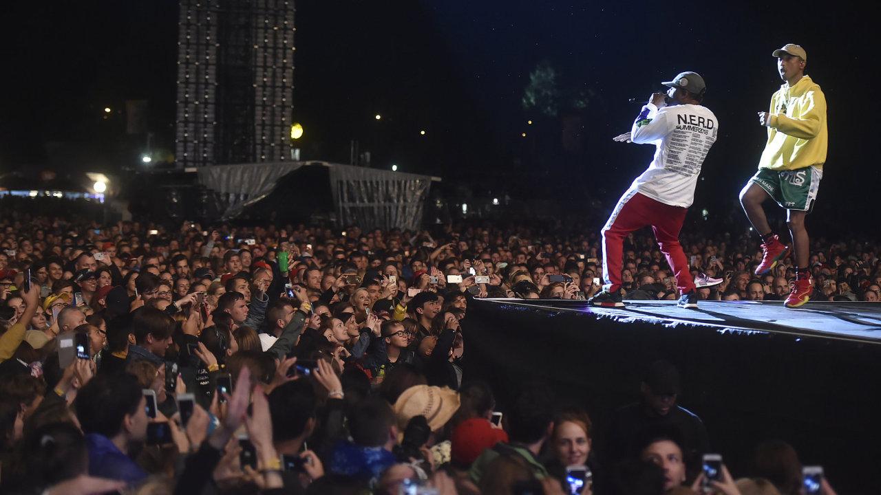 Hlavní lákadlo festivalu Colours of Ostrava, americká kapela N.E.R.D.