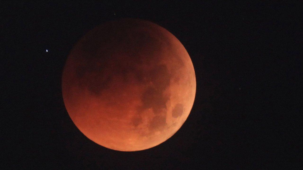Měsíc - Ilustrační foto.