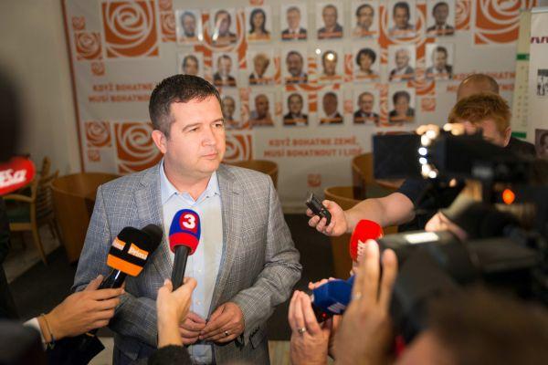 Komunální volby 2018, volební štáb ČSSD, na snímku Jan Hamáček, předseda ČSSD
