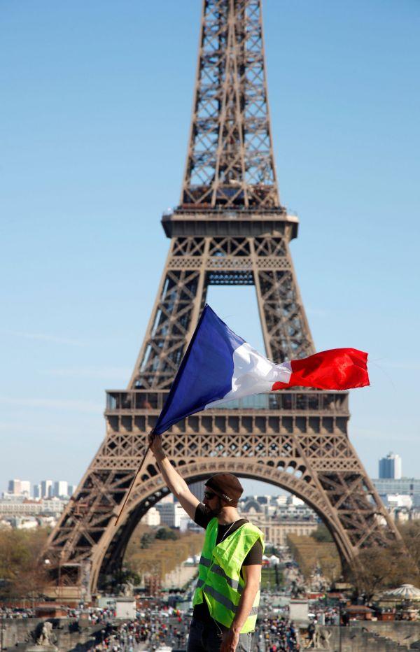 Francie, Paříž, demonstrace, žluté vesty