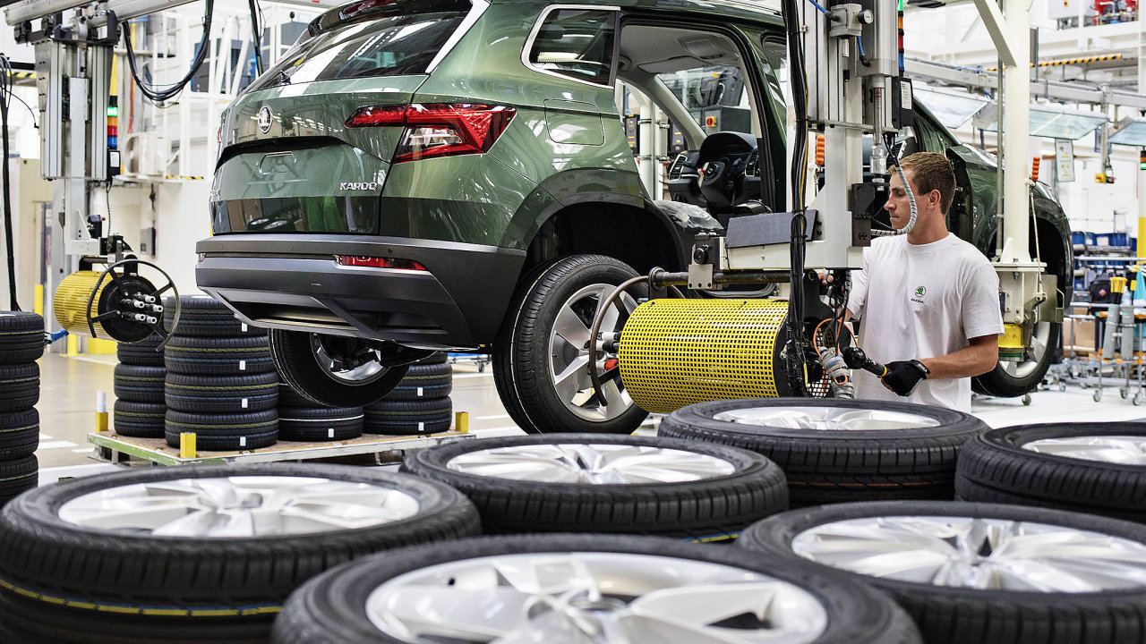 Ve srovnání s loňským srpnem si polepšila obě SUV, Kodiaq zaznamenal nárůst dodávek o 20,4 procenta a Karoq (na fotografii) o 19,2 procenta.