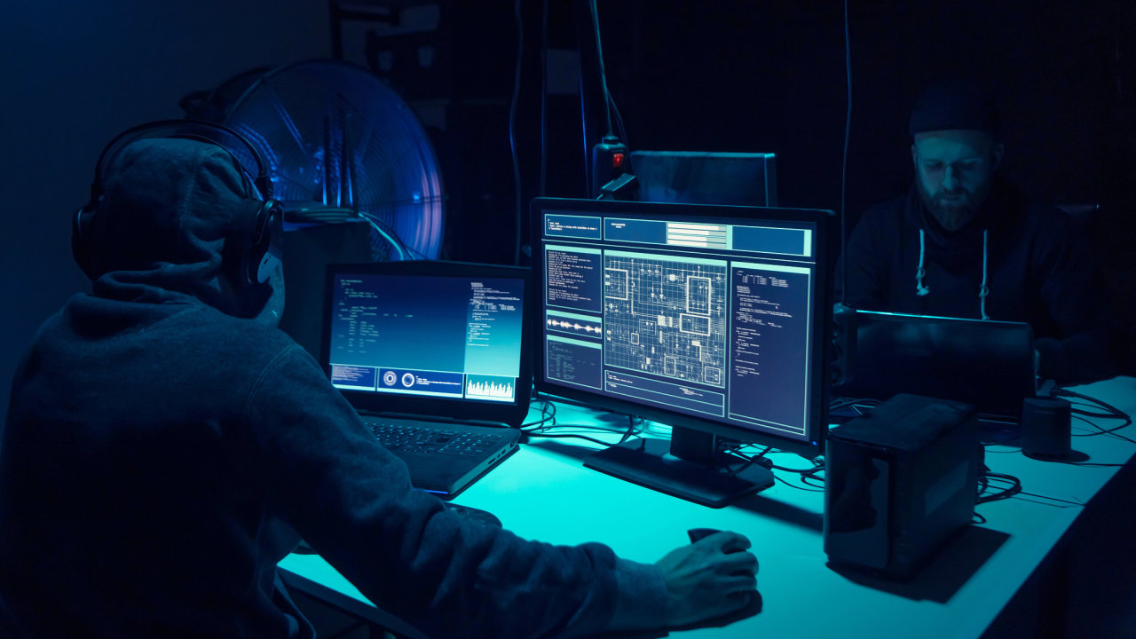 Australské úřady v únoru oznámily, že hackeři napadli síť parlamentu. Premiér Morrison tehdy útok označil za