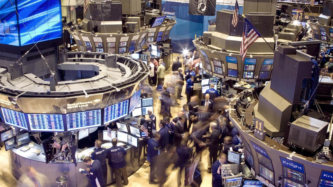 Zpomalení, ale soptimismem. Ipřes zpomalení hospodářského růstu ceny akcií stále rostou.