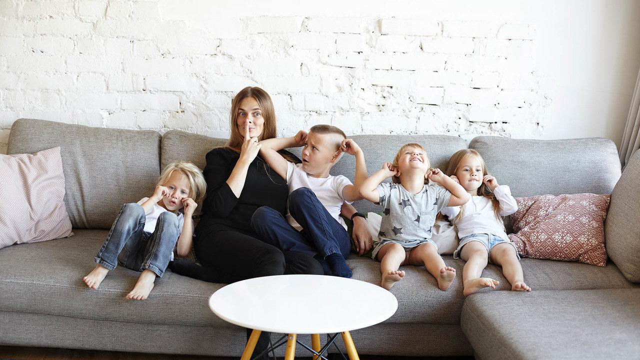Demografům by se líbilo víc dětí: V řeči statistiky má průměrná Češka 1,7 dítěte. Demografům by se více líbila hodnota 2,1.