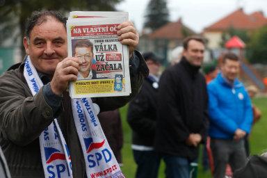 Jaká je kvalita jeho života? Voliči populistů z SPD se zhusta rekrutují z lidí, kteří své politické postoje čerpají z jednoduchých hesel.