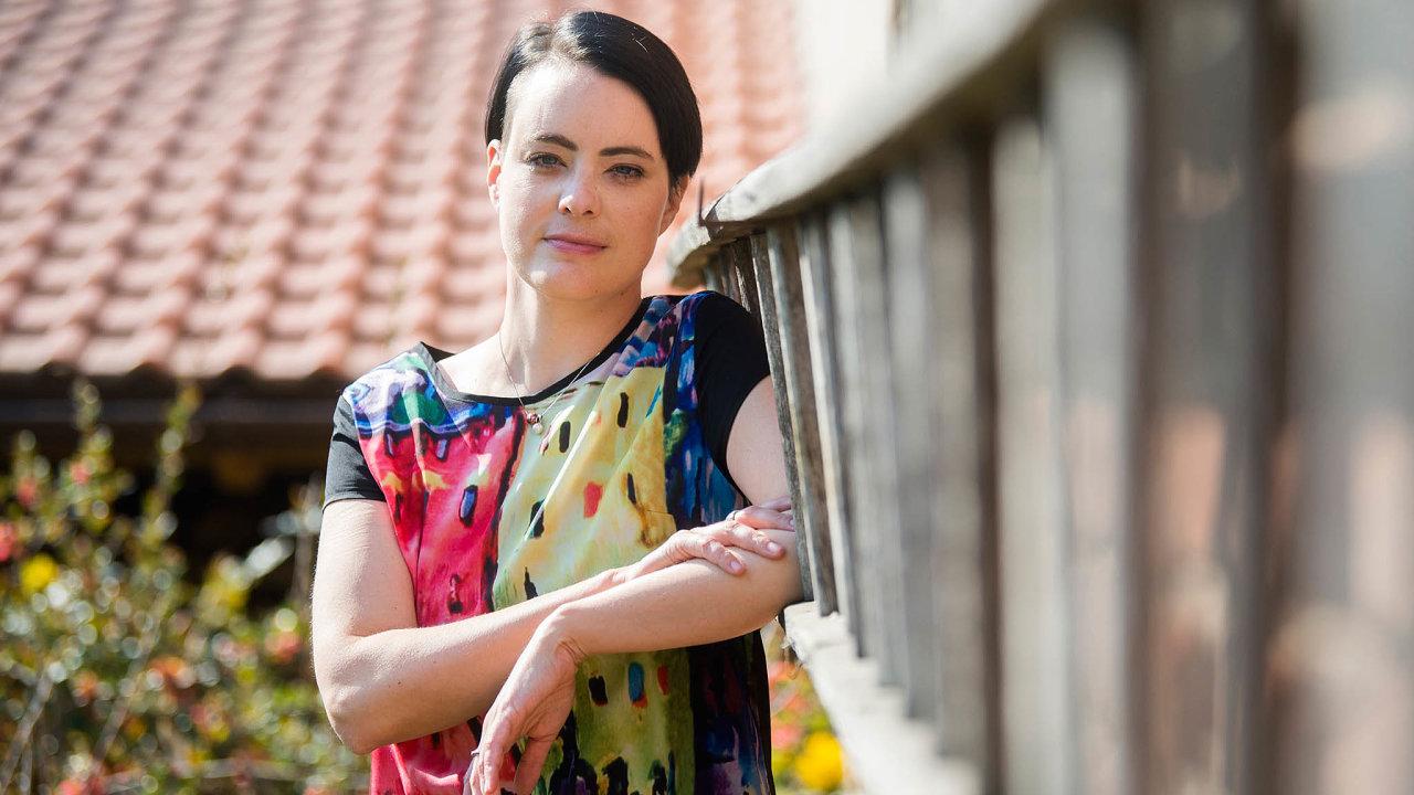 Lucie Hrdá zastupuje oběti domácího násilí.