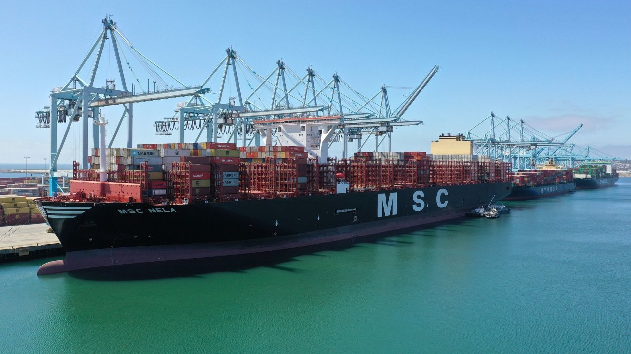 Lodě moře námořník doprava