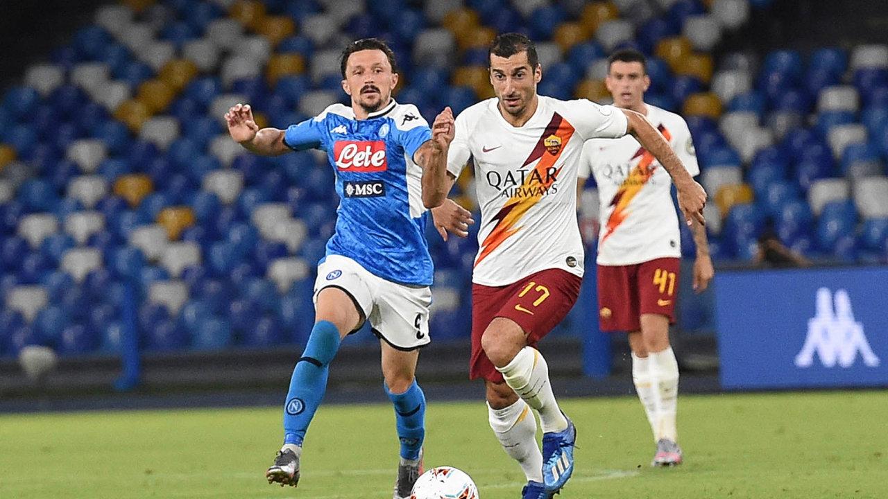 Nedělní šlágr mezi Neapolí aAS Řím oumístění zaručující účast vpříštím ročníku Evropské ligy se hrál nastadionu SanPaolo kvůli koronaviru bez diváků. Domácí Neapol zvítězila 2:1.