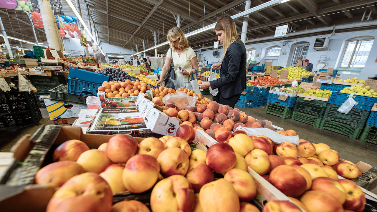Vybírejte si potraviny, které necestovaly přes půl světa, a jezte to, co odpovídá ročnímu období.