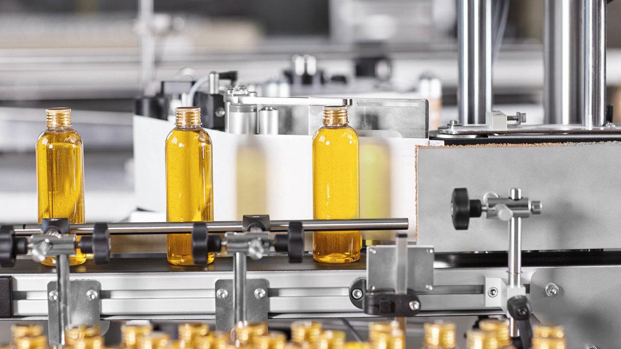 Chování některých výrobců, kteří narůzných trzích prodávají výrobky srůzným složením, Češi dlouhodobě kritizují.