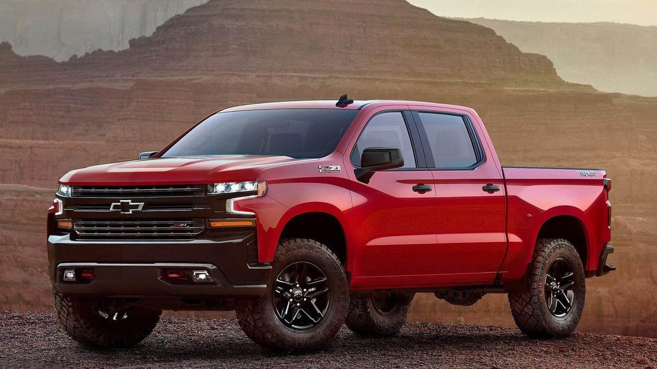 Kvůli nedostatku čipů přestane americký GM do pick-upu Chevrolet Silverado montovat čipový modul na regulaci spotřeby.