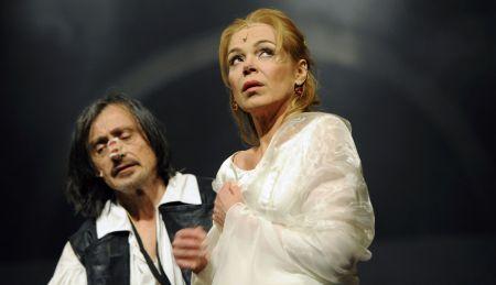 Dagmar Havlová a Martin Stropnický v nové inscenaci Cyrana