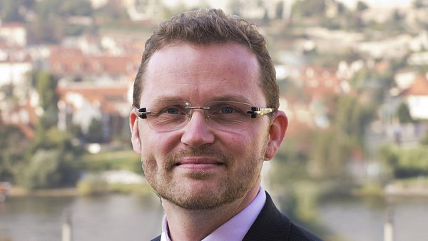Michal Stehl�k, b�val� d�kan FF UK