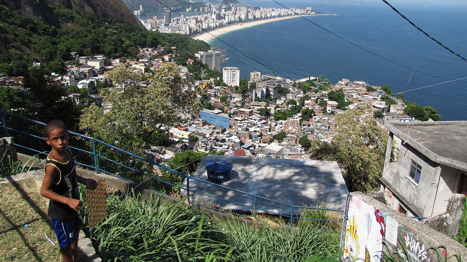 Favely v Riu místní policie