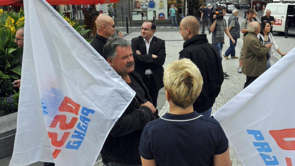 Extremisté z Dělnické strany sociální spravedlnosti