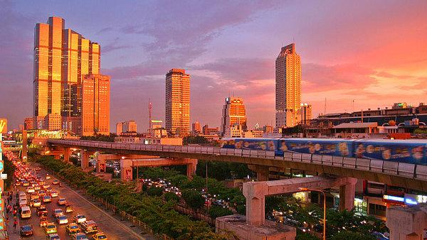 Do thajské metropole Bangkoku by podle českého velvyslance Marka Libřického mohly v budoucnu vést přímé lety.