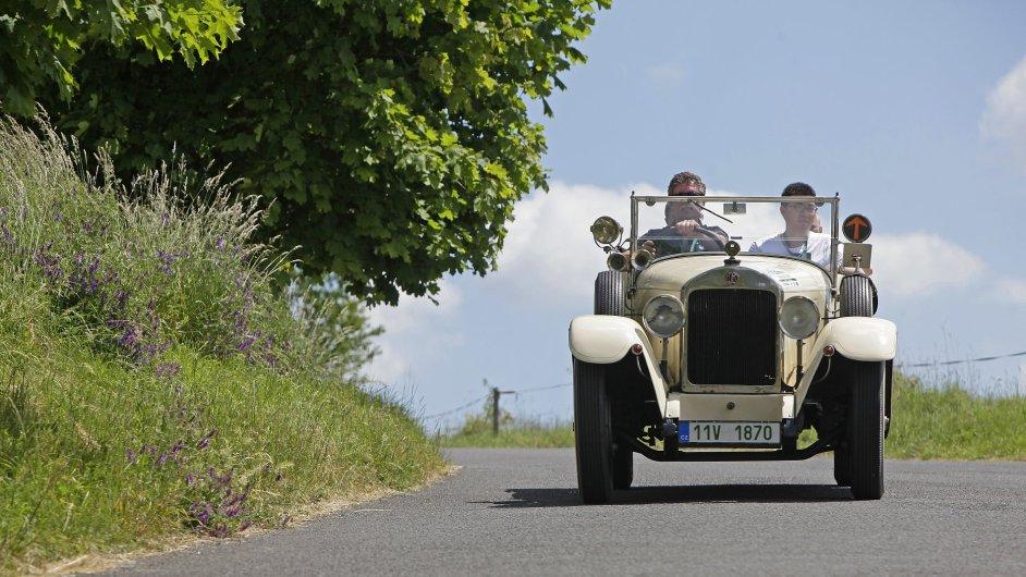 Czech Hero Ride 2014 - závod historických automobilů.