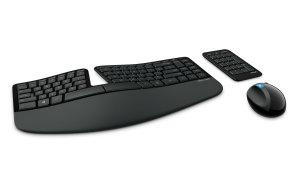 Microsoft Sculpt Ergonomic: Na divné klávesnici se skvěle píše, jen se to musíte naučit