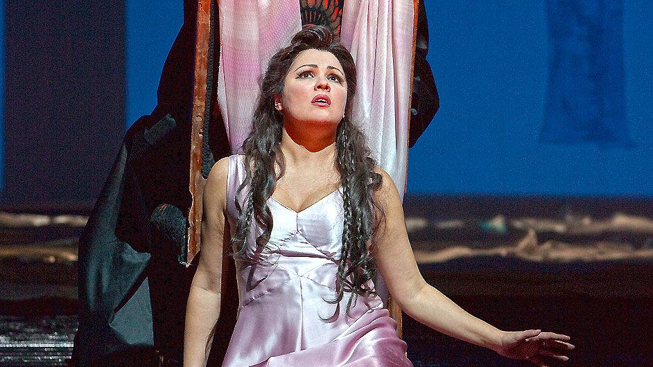 Lady Macbeth zpívala Anna Netrebková.