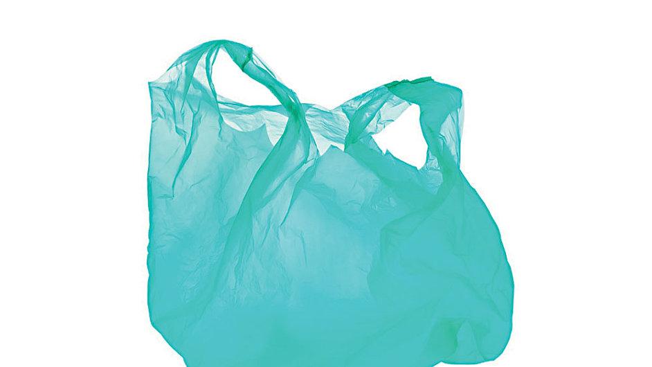 Diplomaté zemí EU souhlasí s přísnější směrnicí na omezení spotřeby igelitových tašek.