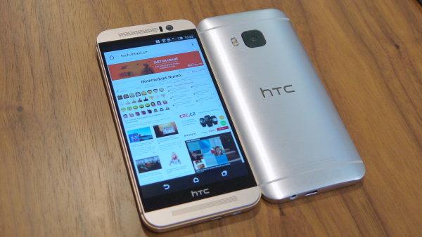 Prvn� dojmy: HTC One M9 m� lep�� fotoapar�t i rozlo�en� tla��tek