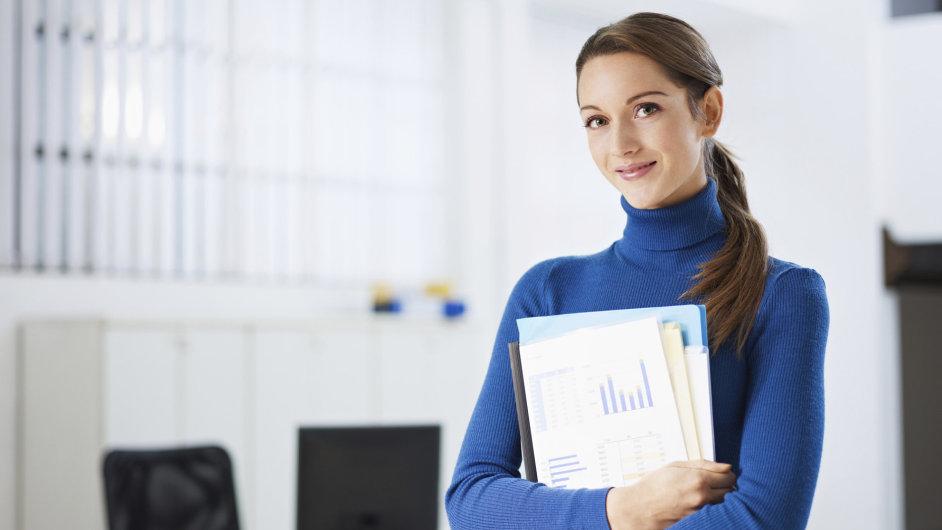 1. Vystupovat jménem firmy může jen zaměstnanec