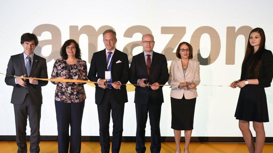 Andrew Schapiro, Michaela Marksová, viceprezident Amazonu pro Evropu Roy Perticucci, Bohuslav Sobotka a Adriana Krnáčová na slavnostní otevření.