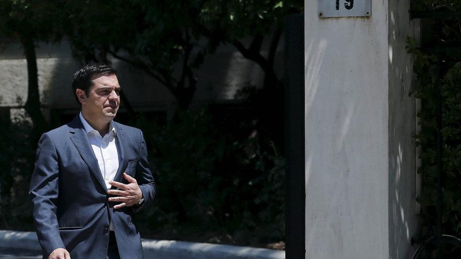 Premiérův těžký srpen: Alexis Tsipras má potíže se stranickými kolegy ze Syrizy a před sebou rozhodnutí, kdy požádat parlament o vyslovení důvěry vládě.
