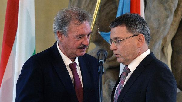 Ministři zahraničí V4, Lucemburska a Lotyšska se sešli 21. září v Praze. Na snímku Lucemburčan Jean Asselborn a Lubomír Zaorálek.