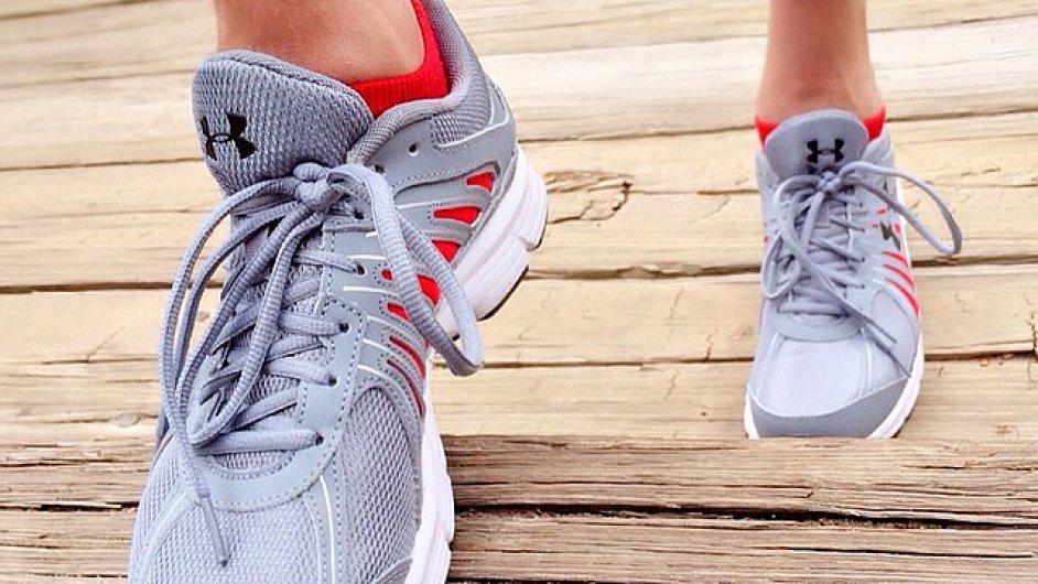 Bežeckou obuv se vyplatí pořídit přes e-shop. - Ilustrační foto.