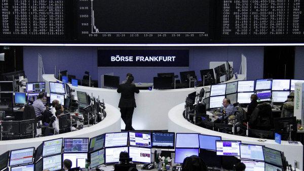 Evropsk� akcie v pond�l� pos�lily - Ilustra�n� foto.