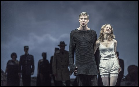 Snímek z inscenace Manon Lescaut