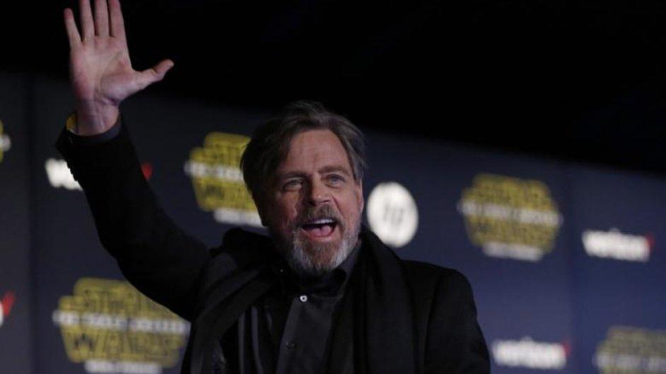 Nová epizoda Hvězdných válek se má zaměřit na Luka Skywalkera, kterého bude opět hrát Mark Hamill (na snímku).