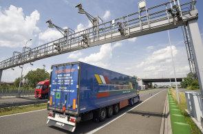 Český elektronický mýtný systém vybral na mýtném za 11 let fungování 87 miliard.