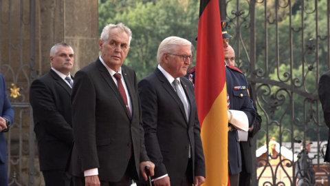 Milos_Zeman_uvital_na_Hrade_nemeckeho_prezidenta_Steinmeiera.jpg