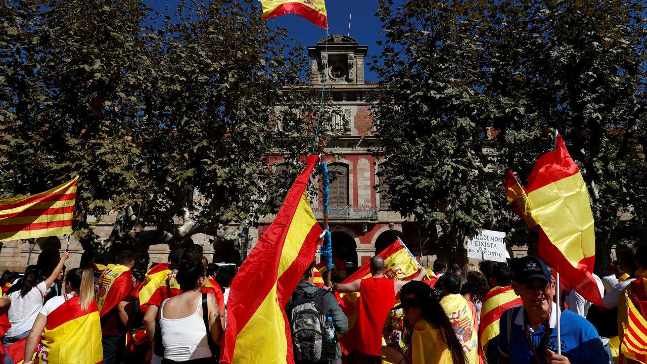 MAD167 SPAIN POLITICS CATALONIA 1008 11