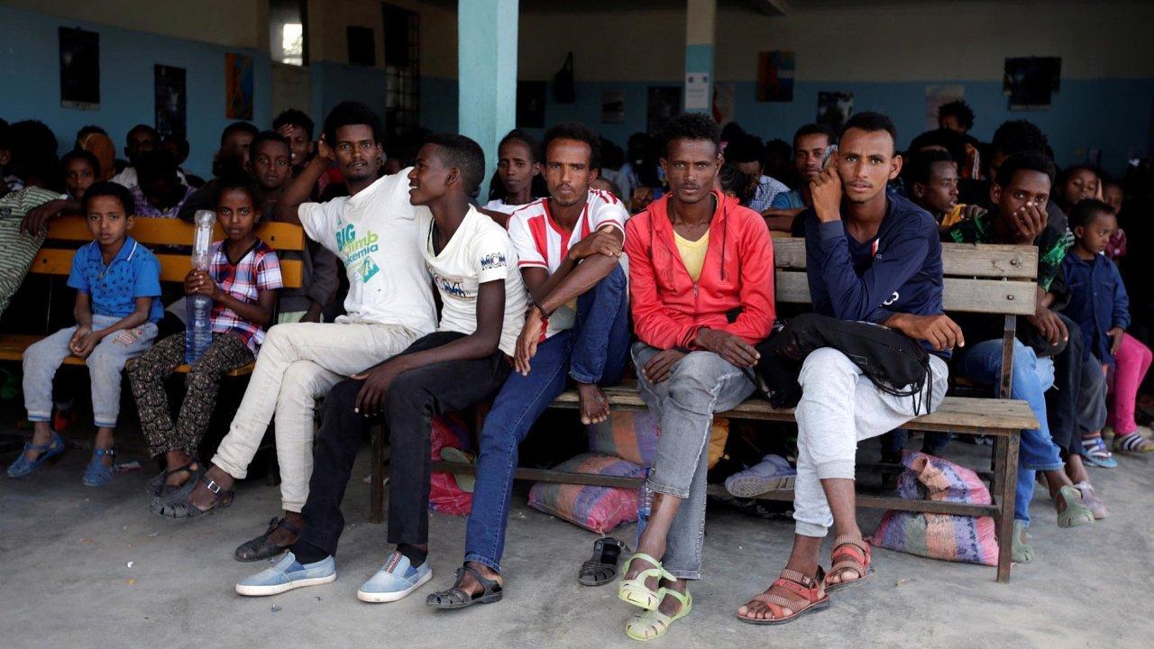 Německá vláda chystá finanční pobídky pro uprchlíky, kteří se rozhodnou pro dobrovolný návrat. Na snímku uprchlíci z africké Eritreje v Etiopii.