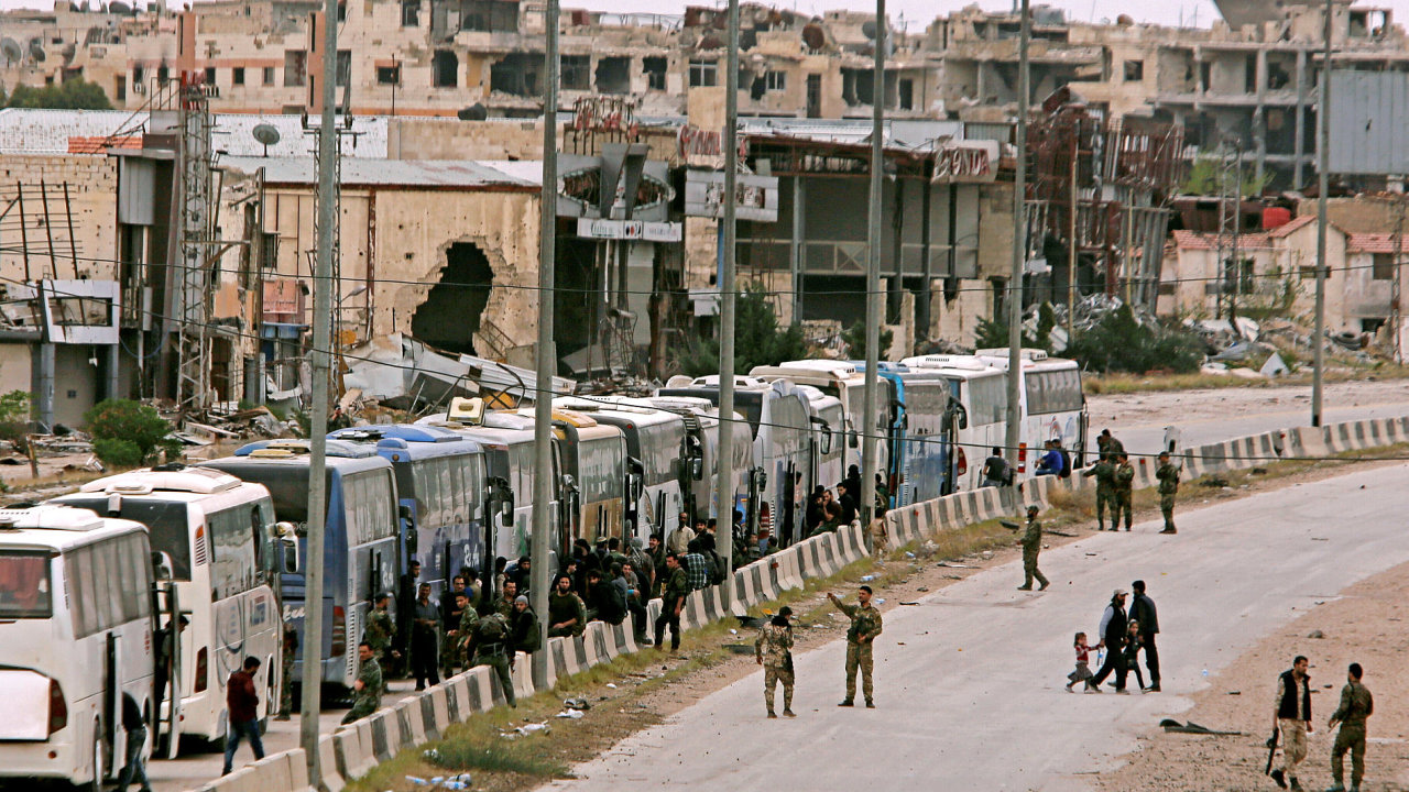 Oblast východní Ghúty opouštějí civilisté.