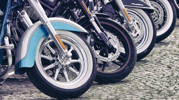 V anketě mezi nadšenci umístěné na webu magazínu Der Spiegel potenciální zákazníci uvádějí, že si vytouženou motorku dopřejí i přes vyšší cenu.