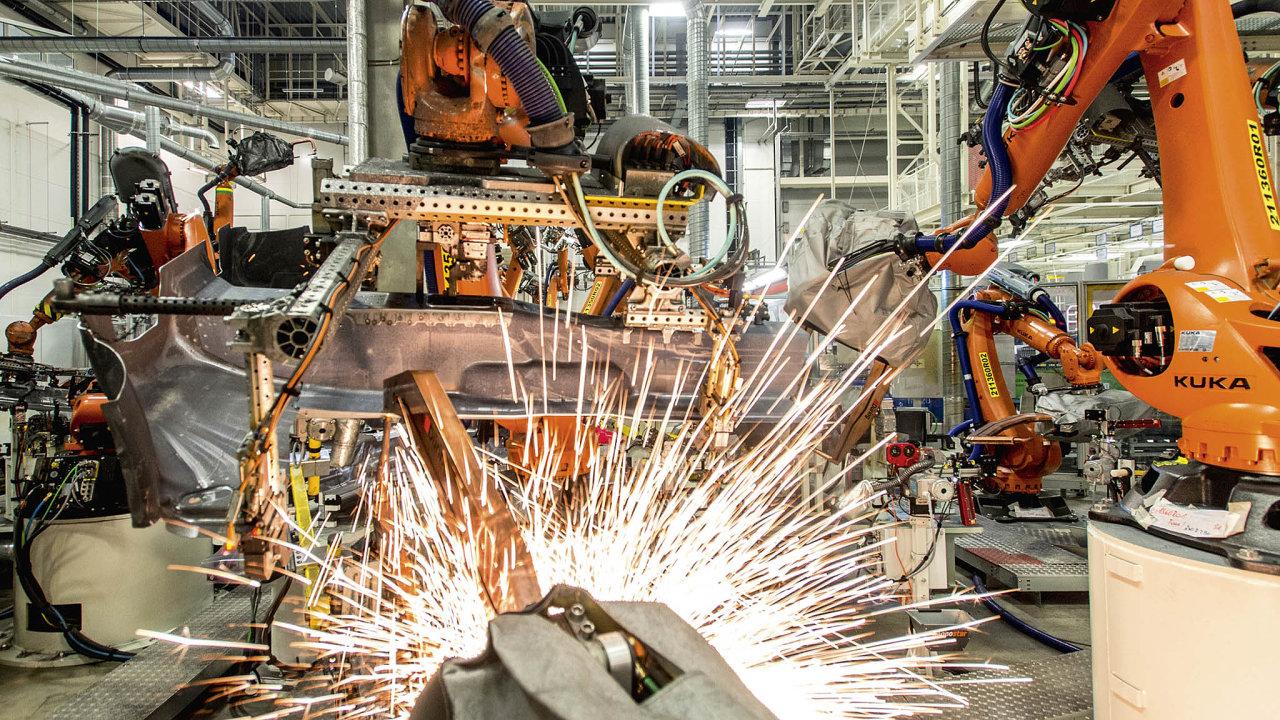 V Německu se index PMI zpracovatelského sektoru, který se na ekonomice podílí zhruba pětinou, snížil na nejnižší úroveň za 80 měsíců.