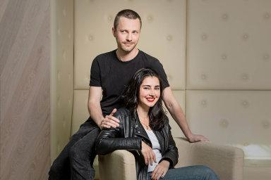Potkali se na Erasmu. Čech Matěj Šonka a Portugalka Joana Delgadová se seznámili na studiích v cizině, nyní spolu a s dcerkou žijí v Praze.